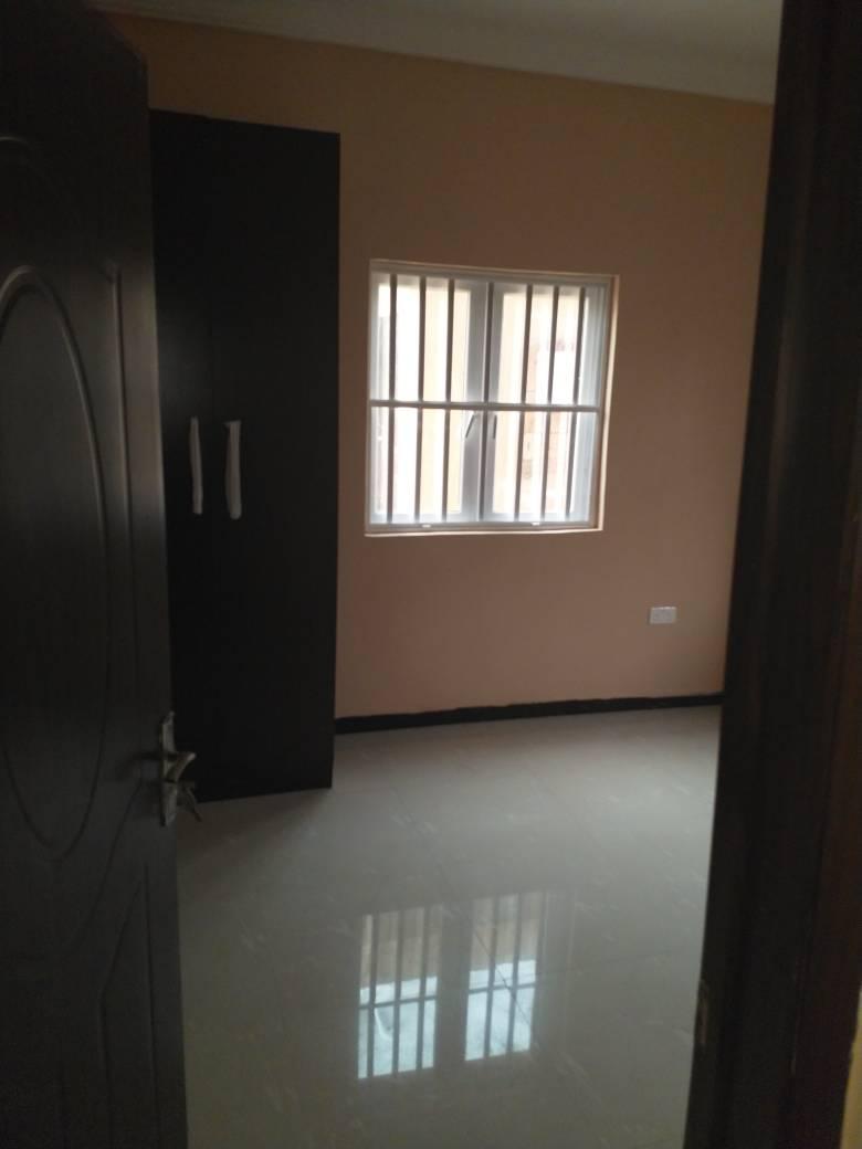 Tatefully built 5 bedroom duplex (with bq)